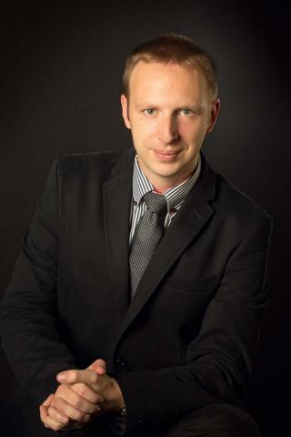 MUDr. Ladislav Polách, SYMEDIS PLUS, s.r.o. / Portrétní focení u Michala Pavláska